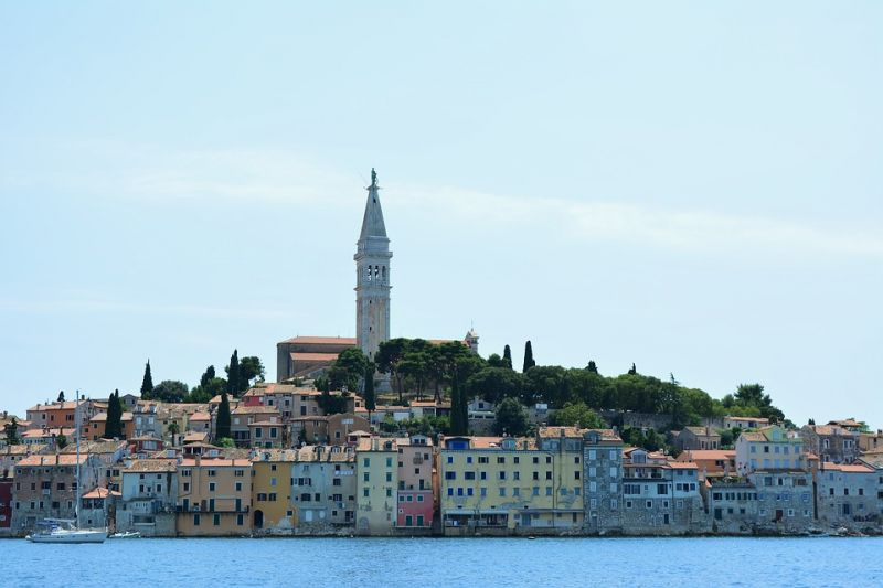 What is the best dental clinic in Rovinj?