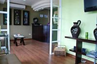 SmileMakeOver Dental & Aesthetic Center Receiving and Waiting Area photo #6