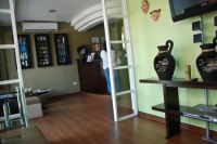 SmileMakeOver Dental & Aesthetic Center Receiving and Waiting Area photo #4