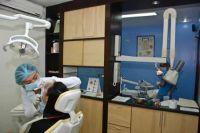 SmileMakeOver Dental & Aesthetic Center treatment room photo #2