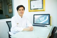 The Dental Design Center - Pattaya - Consultation Room with Doctor