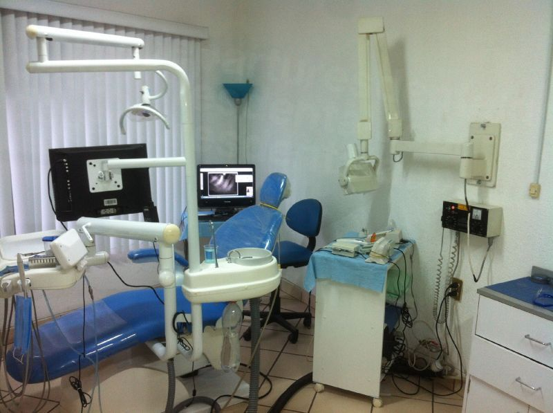 RS Endodontics & Dental Implant Center