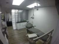 Advanced Smiles Dentistry, gray surgery chair