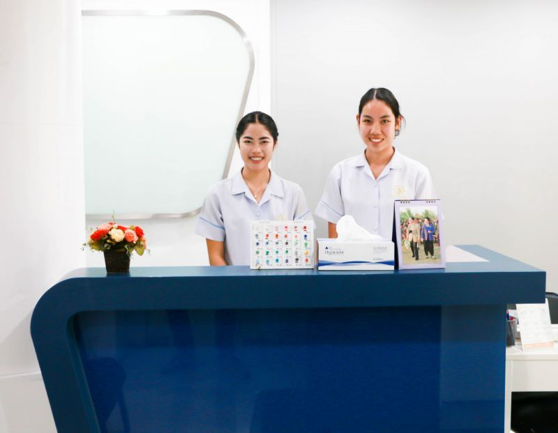 Bangkok Smile Malo Clinic (Silom) - Dental Clinics in Thailand