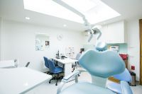 Bangkok International Dental Center - Bangkok, Thailand - The treatment room with High technology eq