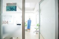 Bangkok International Dental Center - Bangkok, Thailand - Consultation Room