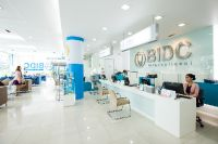 Bangkok International Dental Center - Bangkok, Thailand - Inside clinic is clean and friendly staffs