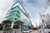 Bangkok International Dental Center - Bangkok, Thailand - View from outside of clinic