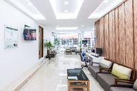 Phuket Dental Signature - Phuket, Thailand - Waiting area with free wifi