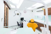 Phuket Dental Signature - Phuket, Thailand - Consultation Room and The treatment room with Doctor