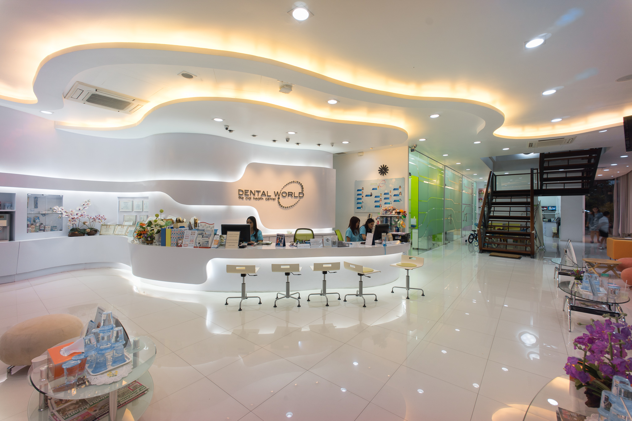 Best dental clinic interior design dental clinic interior for Best office design in the world