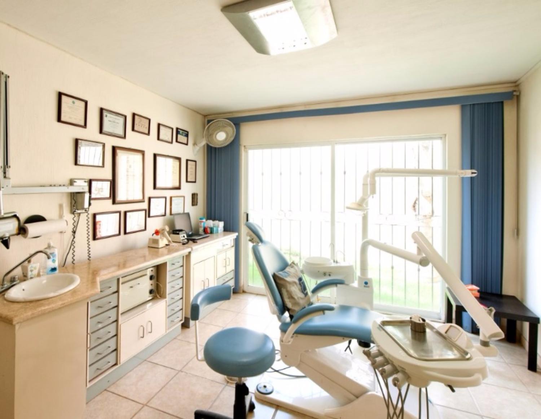 Dr. Angelica Aldana Lema DDS Prosthodontics and Cosmetics Dentistry