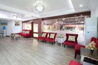Promjai Dental Clinic - Waiting room