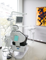 Freer Dental Implant Center, Surgery room