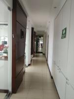 Prisma Dental-Hallway