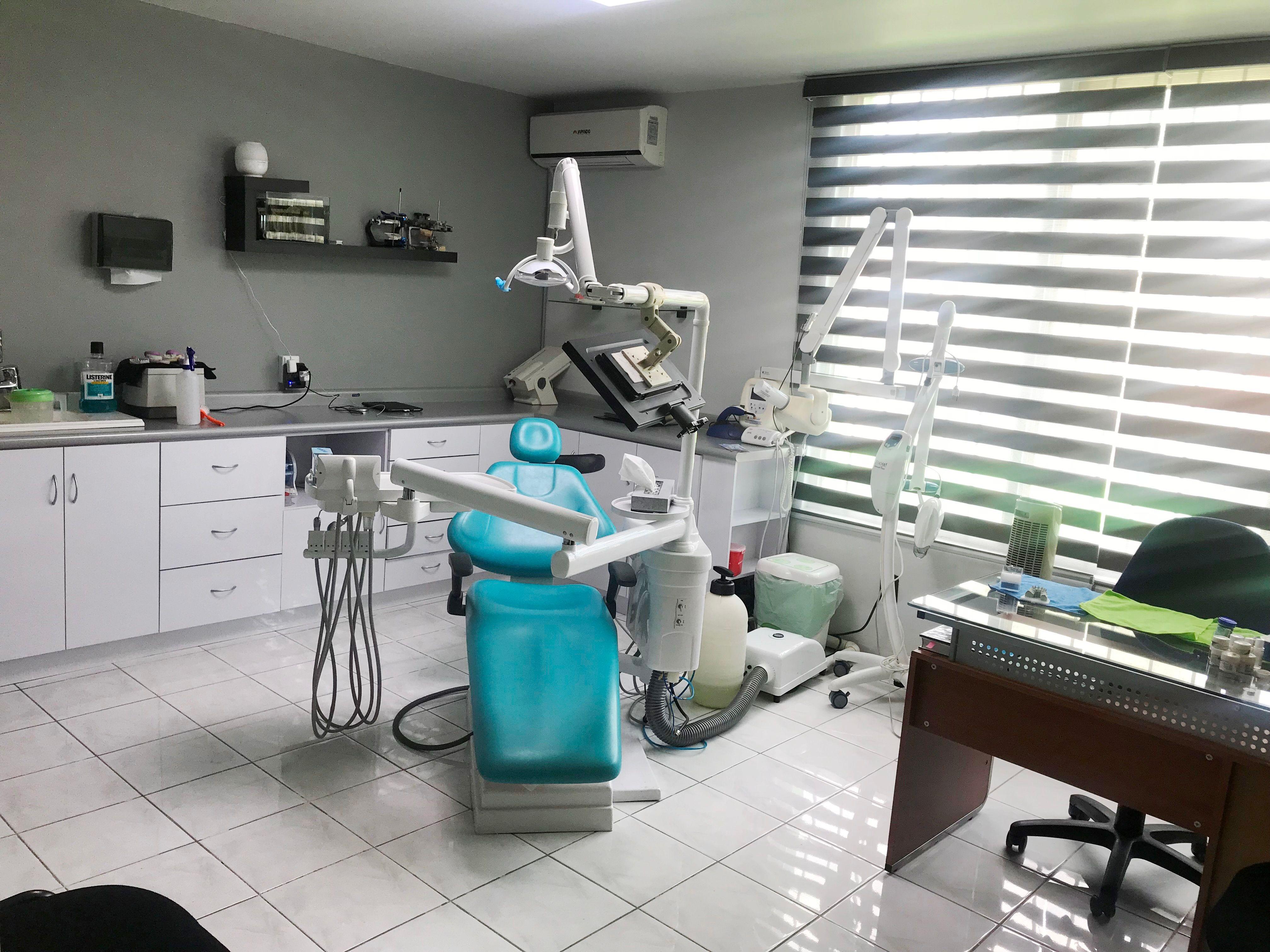 Almanza Dental