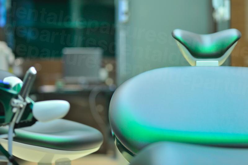 Batorfi Dental Implant London