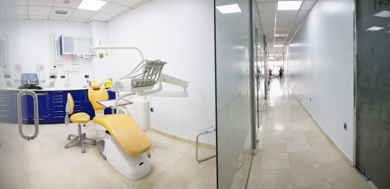 Clinica Dental SOL - Dental Clinics in Spain