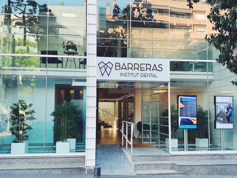 Institut Dental Barreras - Dental Clinics in Spain