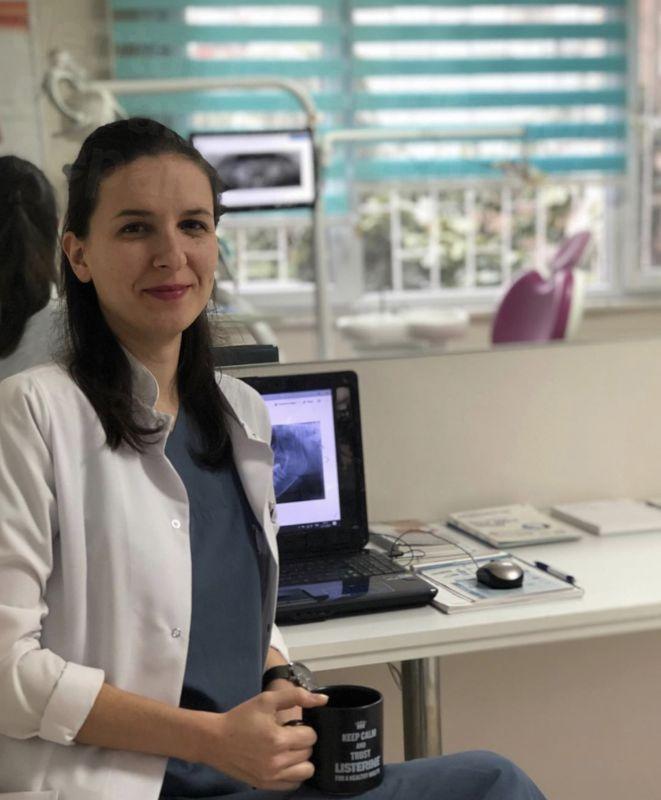 Dentist Elis Esen