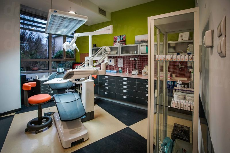 Pakozdy Dent - Dental Clinics in Hungary