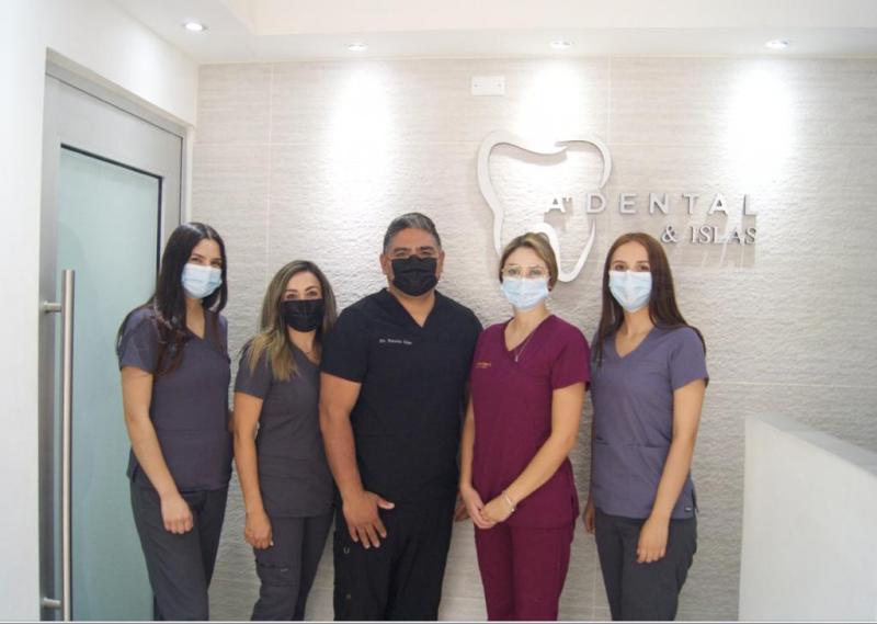 A + Dental & Islas