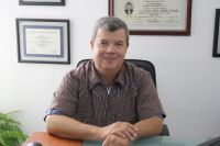 Dr. Oscar Mendivil
