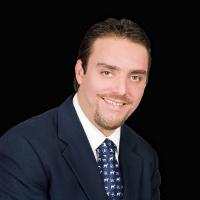 Dr. Alejandro Treviño Santos