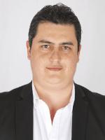 Dr. Alejandro Freer