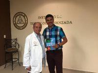 Dr. Cesar lázaro Navarro Faz