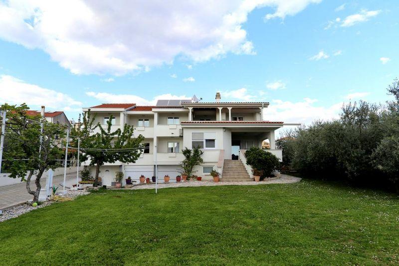 Villa Mičić