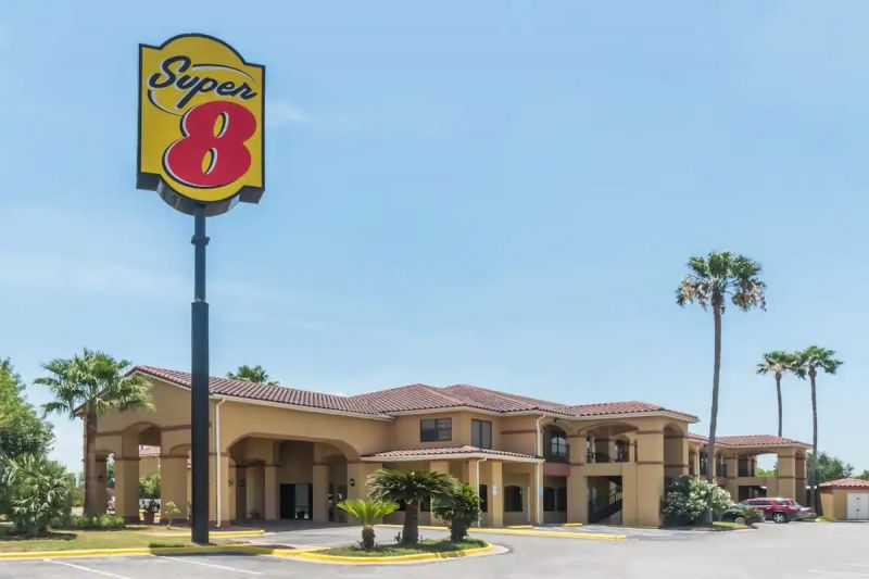 Hotel Super 8 by Wyndham special rate by Jireh Dental Specialties